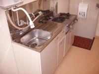 キッチンです。 ガスコンロ付です。 都市ガスなので経済的です。